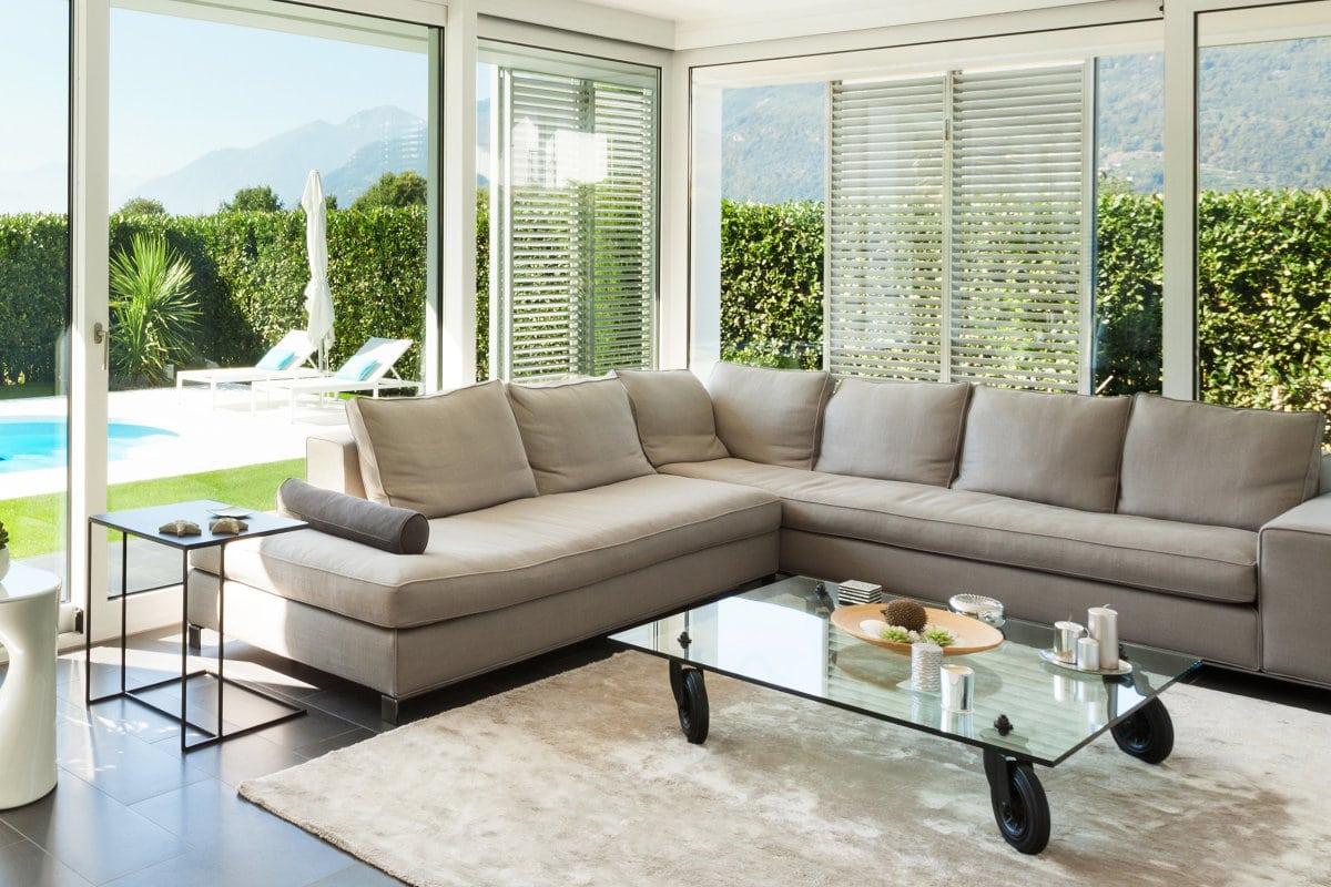 Moderne veranda in witte PVC